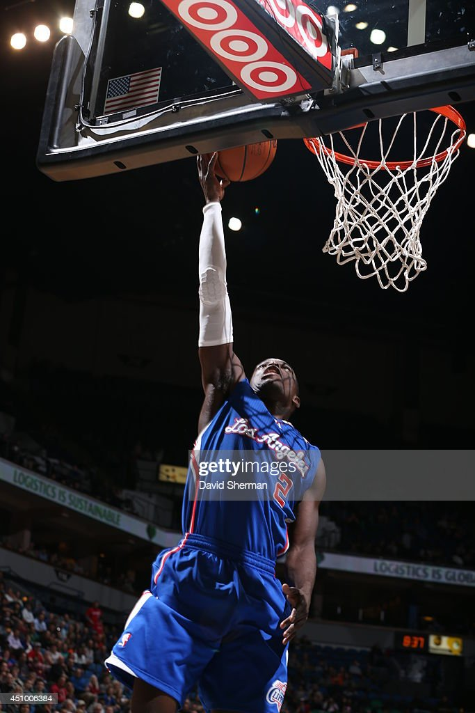 <a gi-track='captionPersonalityLinkClicked' href=/galleries/search?phrase=Darren+Collison&family=editorial&specificpeople=699031 ng-click='$event.stopPropagation()'>Darren Collison</a> #2 of the Los Angeles Clippers goes up for a shot against the Minnesota Timberwolves on March 31, 2014 at Target Center in Minneapolis, Minnesota.