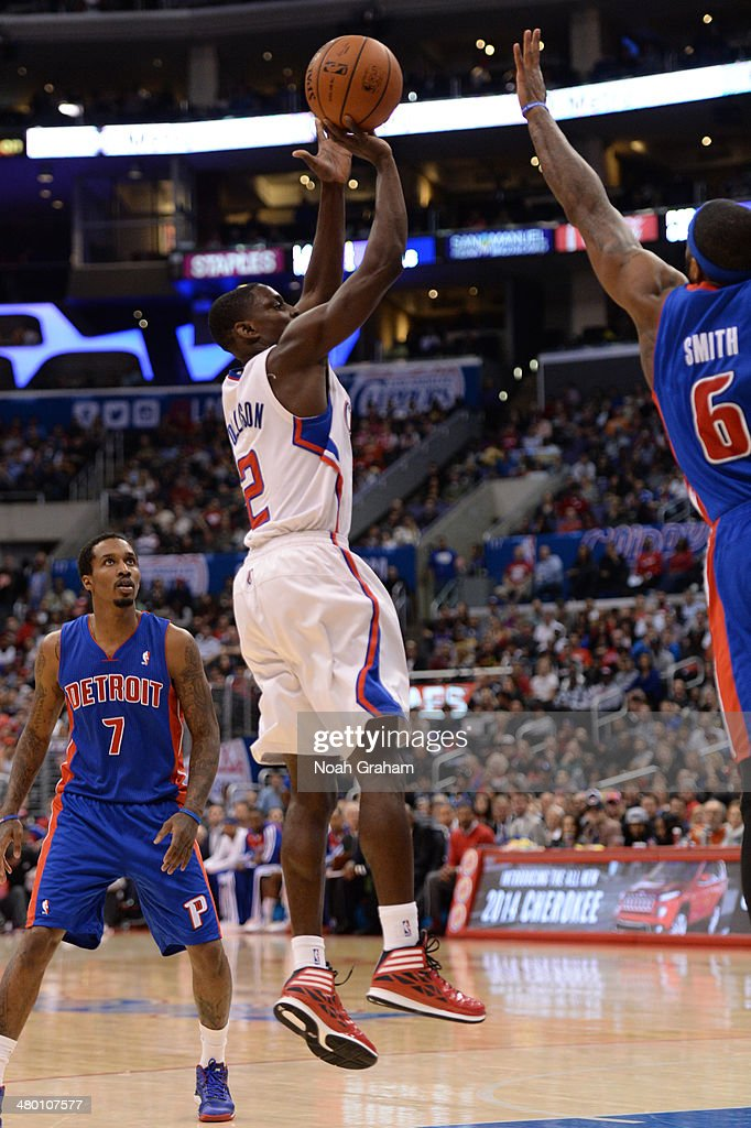Darren Collison #2 of the Los Angeles Clippers shoots against the Detroit Pistons at STAPLES Center on March 22, 2014 in Los Angeles, California.
