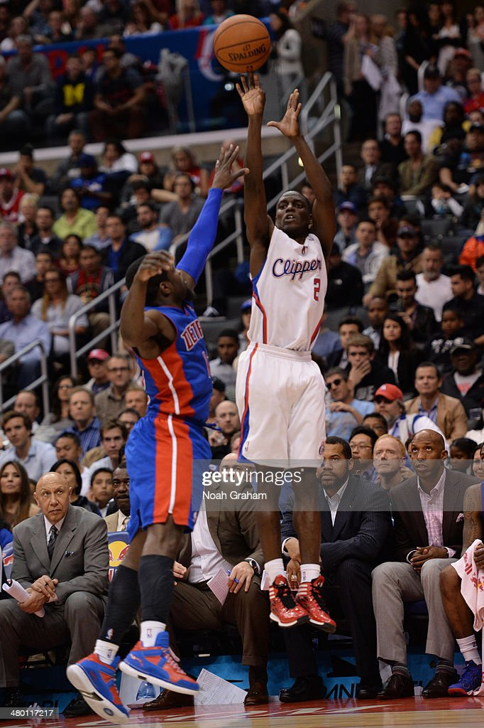 Darren Collison #2 of the Los Angeles Clippers shoots during a game against the Detroit Pistons at STAPLES Center on March 22, 2014 in Los Angeles, California.