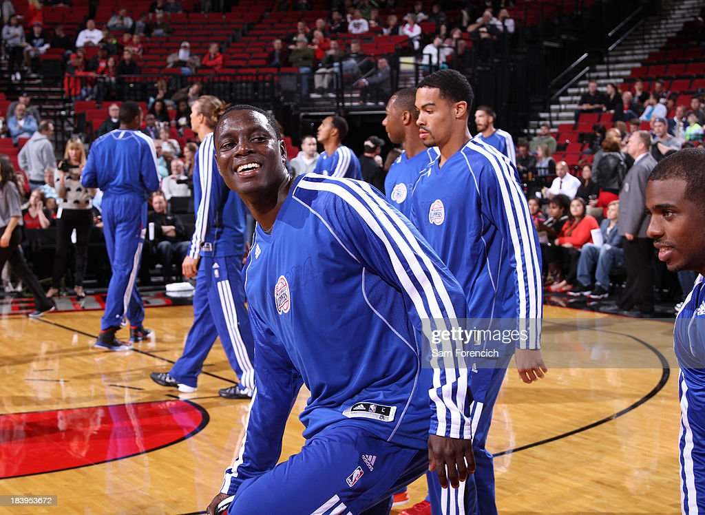 <a gi-track='captionPersonalityLinkClicked' href=/galleries/search?phrase=Darren+Collison&family=editorial&specificpeople=699031 ng-click='$event.stopPropagation()'>Darren Collison</a> #2 of the Los Angeles Clippers warms up before the game against the Portland Trail Blazers on October 7, 2013 at the Moda Center Arena in Portland, Oregon.