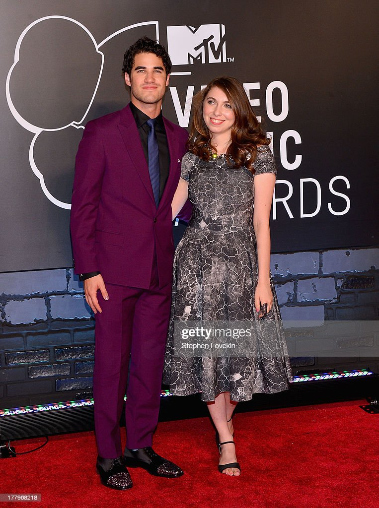 <a gi-track='captionPersonalityLinkClicked' href=/galleries/search?phrase=Darren+Criss&family=editorial&specificpeople=7341435 ng-click='$event.stopPropagation()'>Darren Criss</a> (L) attends the 2013 MTV Video Music Awards at the Barclays Center on August 25, 2013 in the Brooklyn borough of New York City.