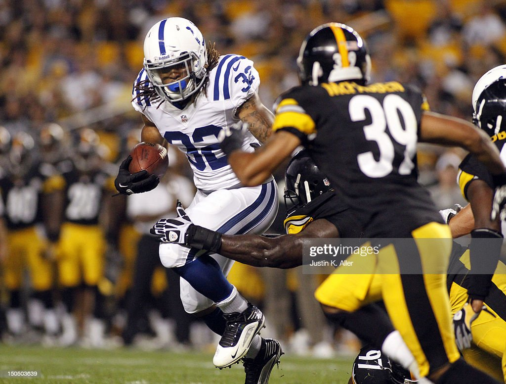 Darren Evans #32 of the Indianapolis Colts carries the ball against the Pittsburgh Steelers during the game on August 19, 2012 at Heinz Field in Pittsburgh, Pennsylvania.