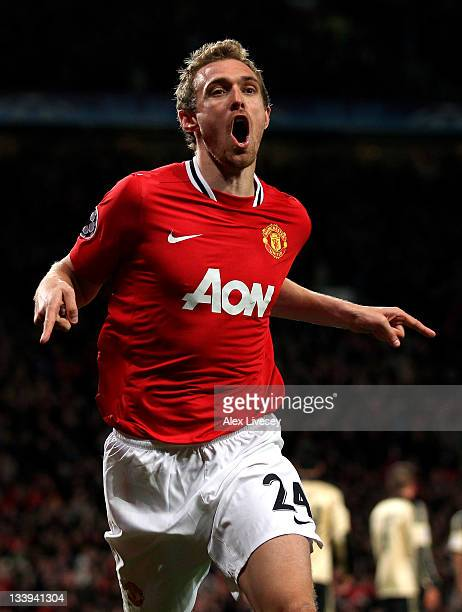 Darren Fletcher of Manchester United celebrates scoring his team's second goal during the UEFA Champions League Group C match between Manchester...