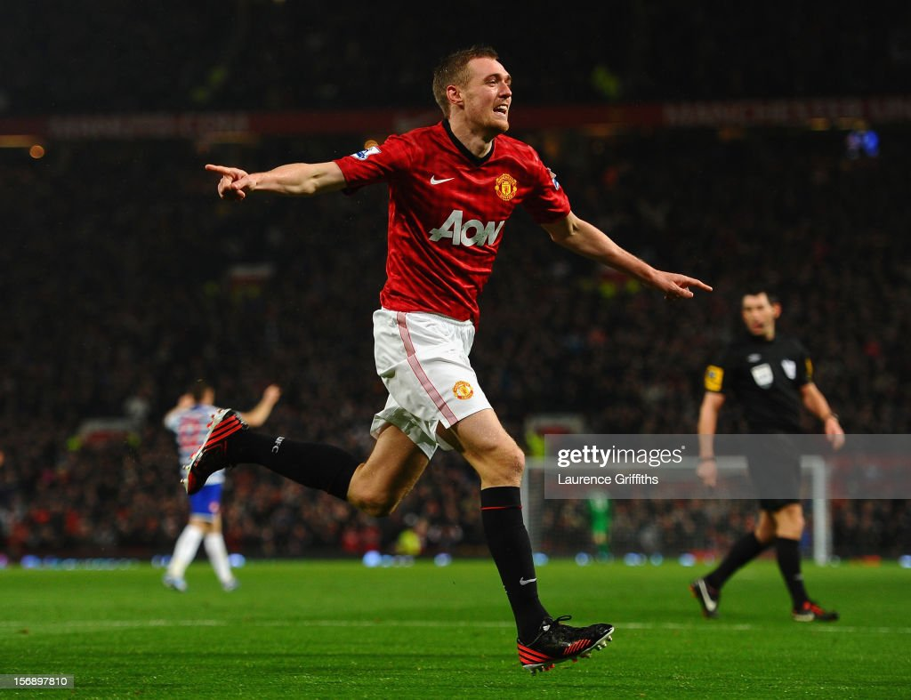 <a gi-track='captionPersonalityLinkClicked' href=/galleries/search?phrase=Darren+Fletcher&family=editorial&specificpeople=171310 ng-click='$event.stopPropagation()'>Darren Fletcher</a> of Manchester United celebrates scoring his team's second goal to make the score 2-1 during the Barclays Premier League match between Manchester United and Queens Park Rangers at Old Trafford on November 24, 2012 in Manchester, England.