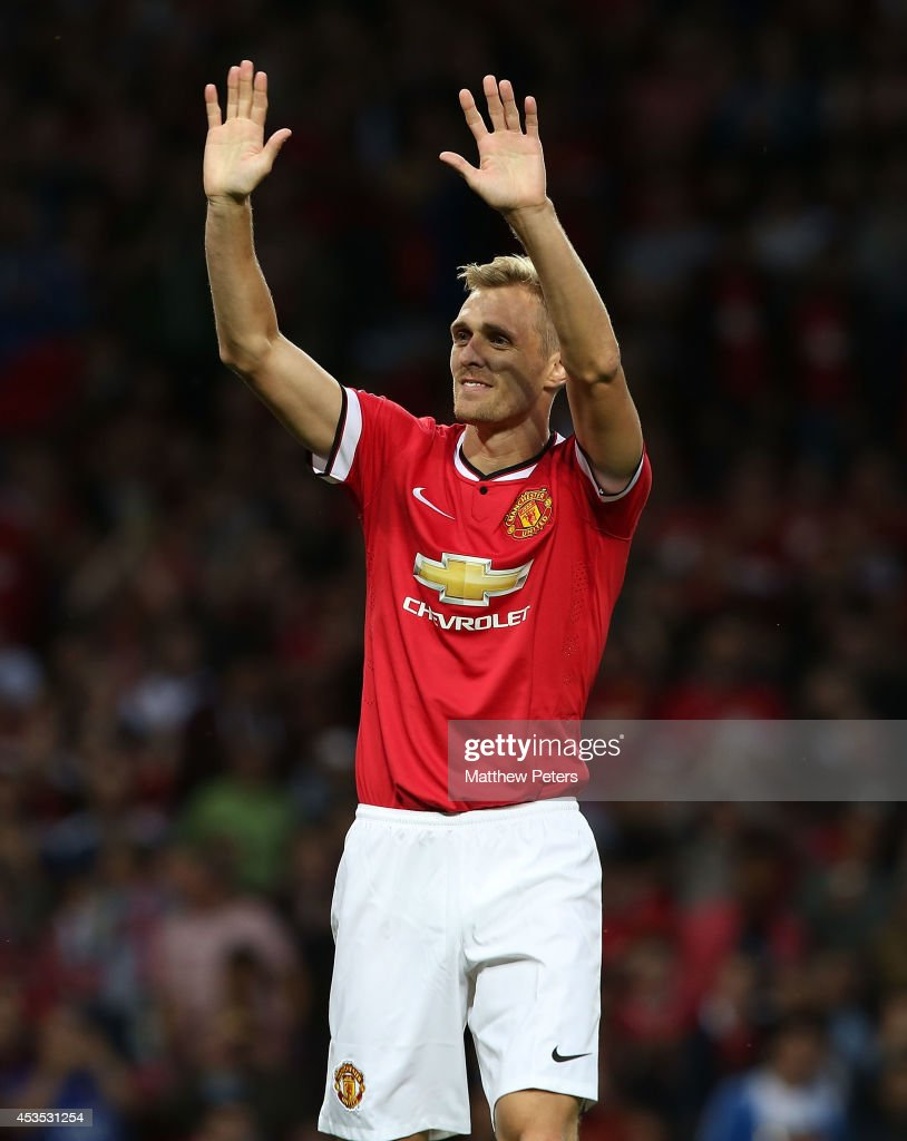 <a gi-track='captionPersonalityLinkClicked' href=/galleries/search?phrase=Darren+Fletcher&family=editorial&specificpeople=171310 ng-click='$event.stopPropagation()'>Darren Fletcher</a> of Manchester United celebrates scoring their first goal during the Pre Season Friendly match between Manchester United and Valencia at Old Trafford on August 12, 2014 in Manchester, England.