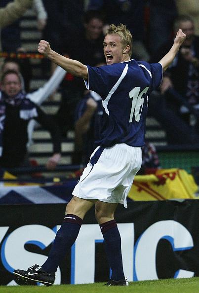 Darren Fletcher celebrates the 1st goal : News Photo