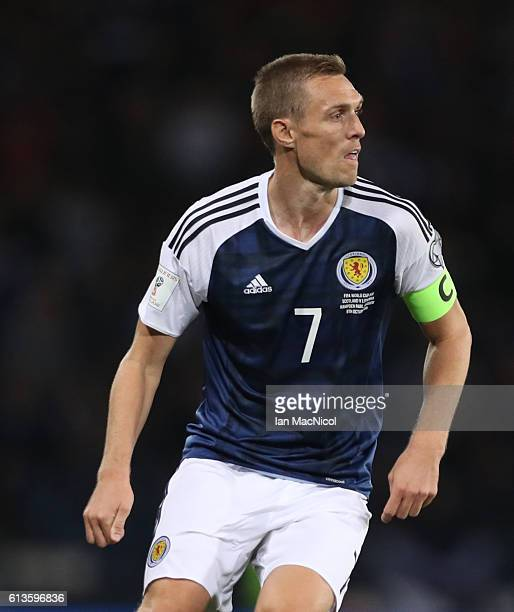 Darren Fletcher of Scotland controls the ball during the FIFA 2018 World Cup Qualifier between Scotland and Lithuania at Hampden Park on October 8...
