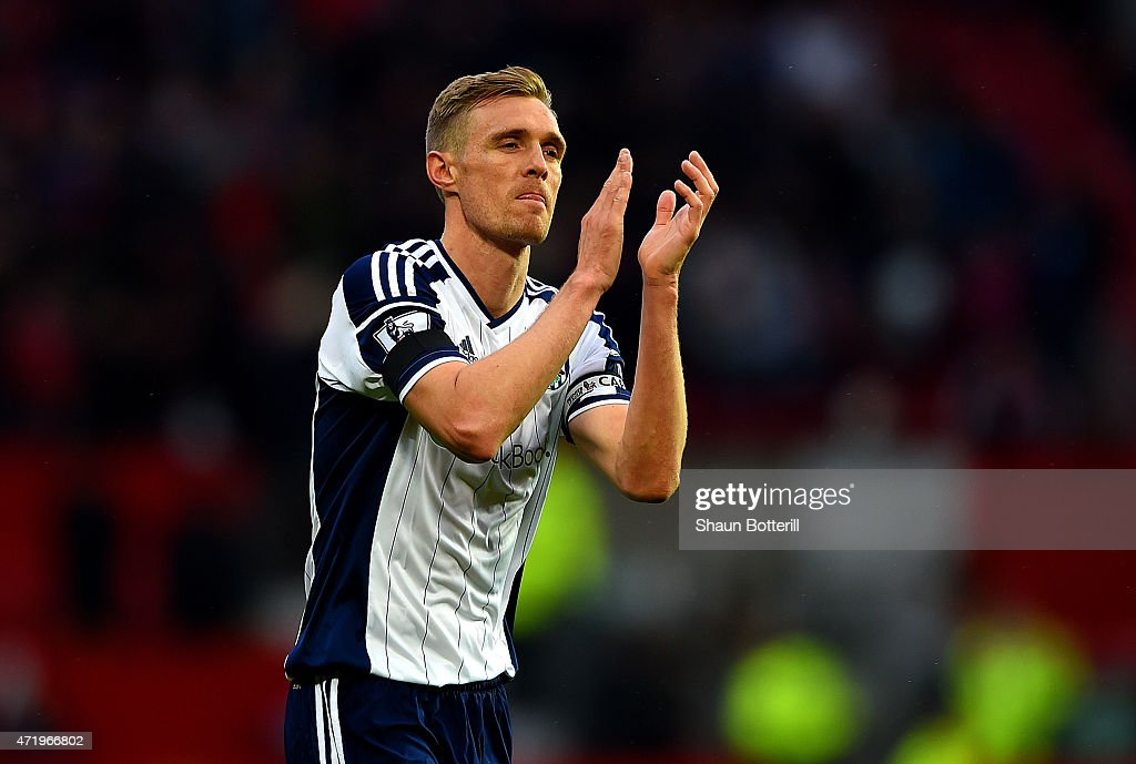 <a gi-track='captionPersonalityLinkClicked' href=/galleries/search?phrase=Darren+Fletcher&family=editorial&specificpeople=171310 ng-click='$event.stopPropagation()'>Darren Fletcher</a> of West Brom applauds the fans after the Barclays Premier League match between Manchester United and West Bromwich Albion at Old Trafford on May 2, 2015 in Manchester, England.