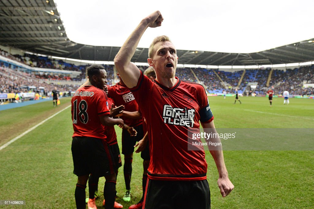 <a gi-track='captionPersonalityLinkClicked' href=/galleries/search?phrase=Darren+Fletcher&family=editorial&specificpeople=171310 ng-click='$event.stopPropagation()'>Darren Fletcher</a> of West Bromwich Albion celebrates scoring his team's first goal during the Emirates FA Cup fifth round match between Reading and West Bromwich Albion at the Madejski Stadium on February 20, 2016 in Reading, England.