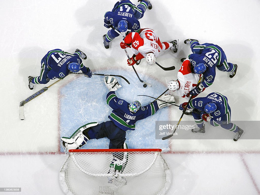 Detroit Red Wings v Vancouver Canucks