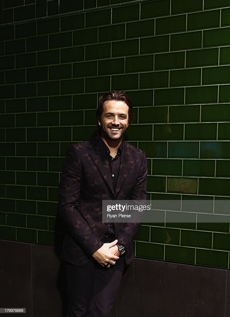 <a gi-track='captionPersonalityLinkClicked' href=/galleries/search?phrase=Darren+McMullen&family=editorial&specificpeople=4126334 ng-click='$event.stopPropagation()'>Darren McMullen</a> arrives at the CLEO Bachelor of the Year Awards on June 12, 2013 in Sydney, Australia.