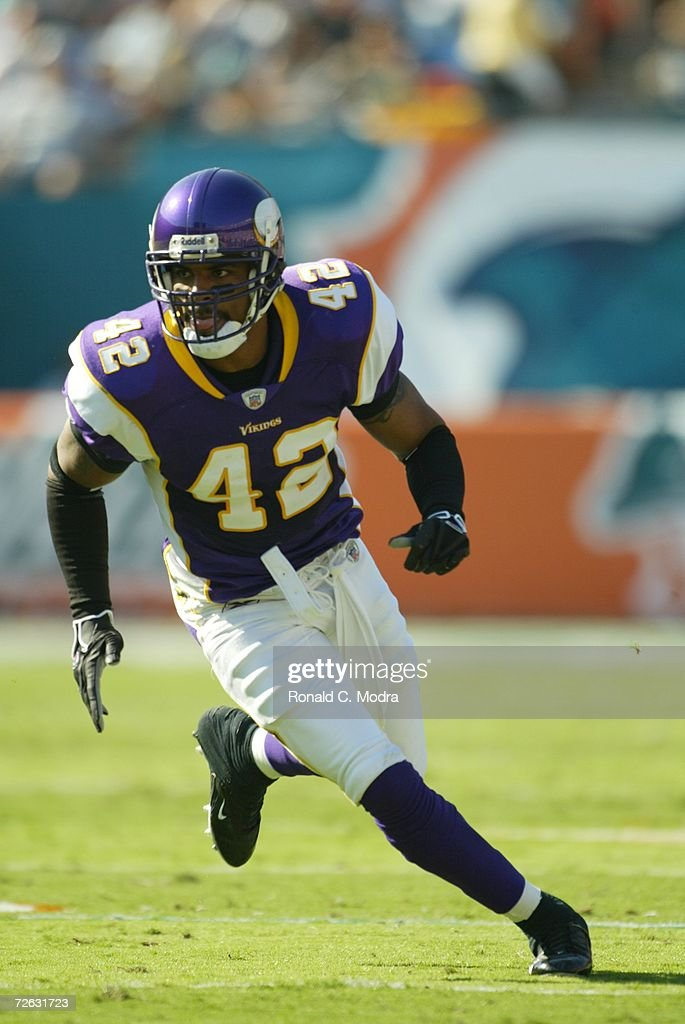 <a gi-track='captionPersonalityLinkClicked' href=/galleries/search?phrase=Darren+Sharper&family=editorial&specificpeople=208733 ng-click='$event.stopPropagation()'>Darren Sharper</a> #42 of Minnesota Vikings in a game against the Miami Dolphins at Dolphin Stadium on November 12, 2006 in Miami, Florida. The Dolphins defeated the Vikings 24-20.