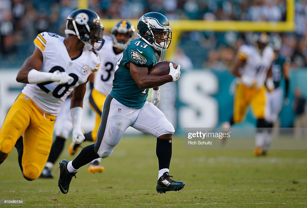 c6153aca462 ... Midnight Green Darren Sproles 43 of the Philadelphia Eagles runs to  score a 73-yard touchdown ...