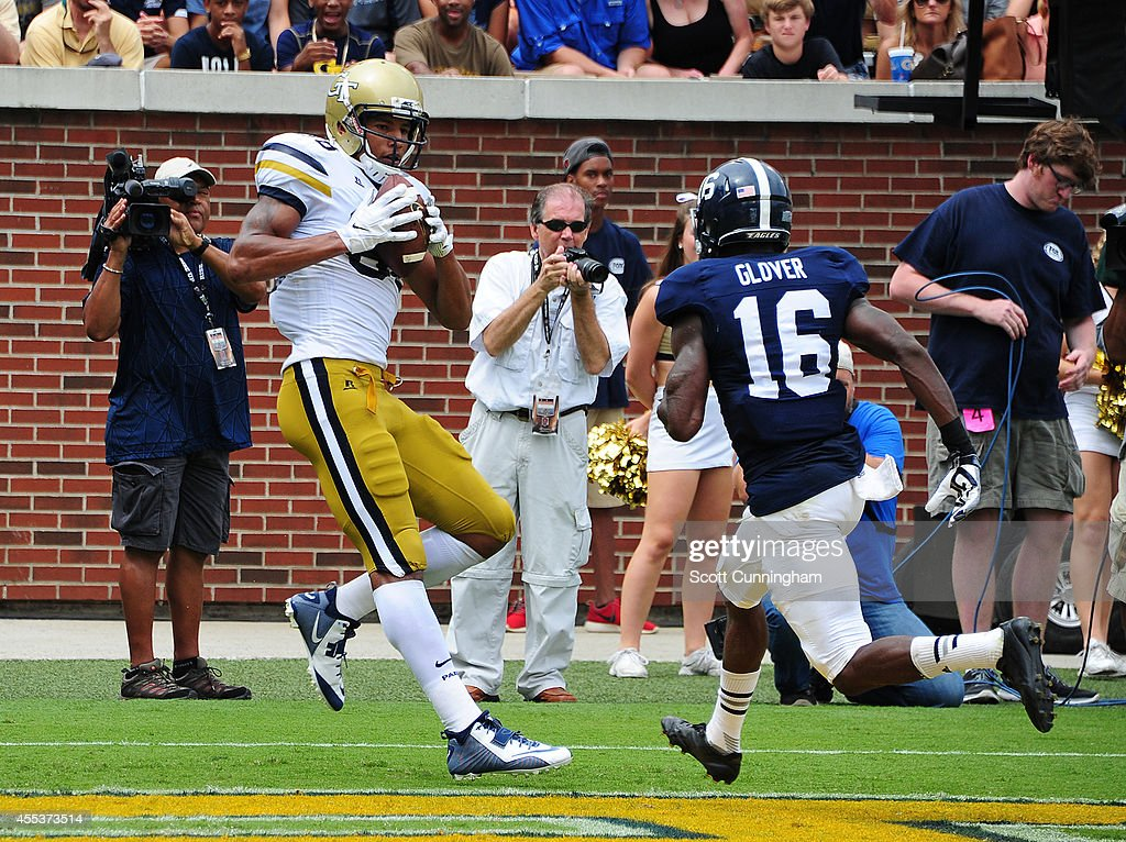 <a gi-track='captionPersonalityLinkClicked' href=/galleries/search?phrase=Darren+Waller&family=editorial&specificpeople=8583964 ng-click='$event.stopPropagation()'>Darren Waller</a> #88 of the Georgia Tech Yellow Jackets makes a catch for a touchdown against the Georgia Southern Eagles at Bobby Dodd Stadium on September 13, 2014 in Atlanta, Georgia.