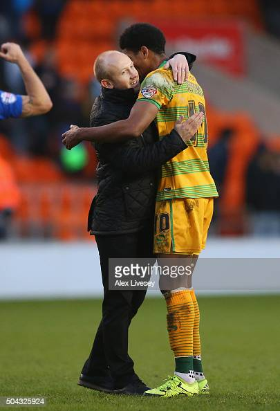 Darren Way the manager of Yeovil Town celebrates with goalscorer Shaun Jeffers after The Emirates FA Cup Third Round match between Carlisle United...