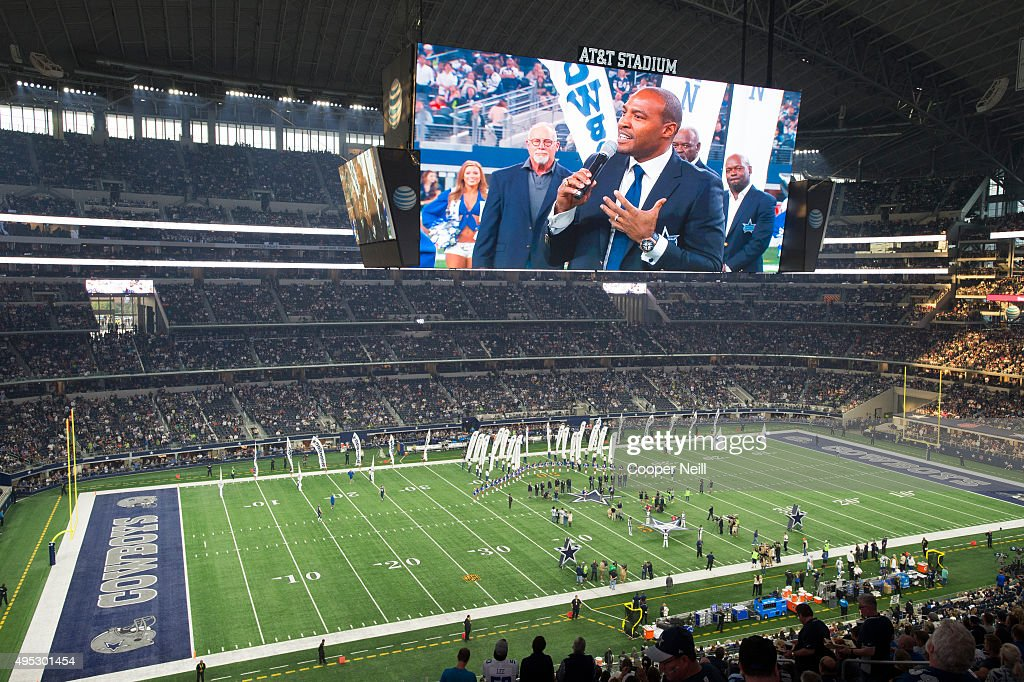 Darren Woodson wears his new Hublot Big Bang Dallas Cowboys timepiece as he is inducted into the Dallas Cowboys Ring of Honor at ATT Stadium on...