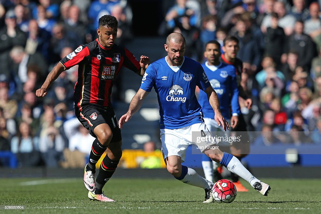Darron Gibson of Everton and Joshua King of Bournemouth compete for the ball during the Barclays Premier League match between Everton and A.F.C. Bournemouth at Goodison Park on April 30, 2016 in Liverpool, England.