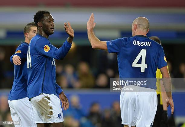 Darron Gibson of Everton congratulates Romelu Lukaku of Everton on scoring the opening goal from the penalty spot during the UEFA Europa League Round...