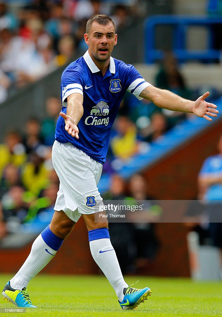 <a gi-track='captionPersonalityLinkClicked' href=/galleries/search?phrase=Darron+Gibson&family=editorial&specificpeople=744328 ng-click='$event.stopPropagation()'>Darron Gibson</a> of Everton in action during the Pre Season Friendly match between Blackburn Rovers and Everton FC at Ewood Park on July 27, 2013 in Blackburn, England