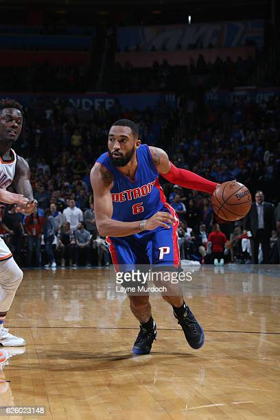 Darrun Hilliard of the Detroit Pistons drives to the basket during a game against the Oklahoma City Thunder on November 26 2016 at Chesapeake Energy...