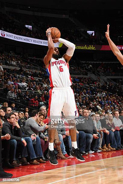 Darrun Hilliard of the Detroit Pistons goes up for a shot during a game against the Charlotte Hornets on January 5 2017 at The Palace of Auburn Hills...