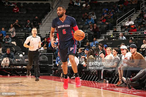 Darrun Hilliard of the Detroit Pistons handles the ball during the game against the Philadelphia 76ers on December 11 2016 at The Palace of Auburn...