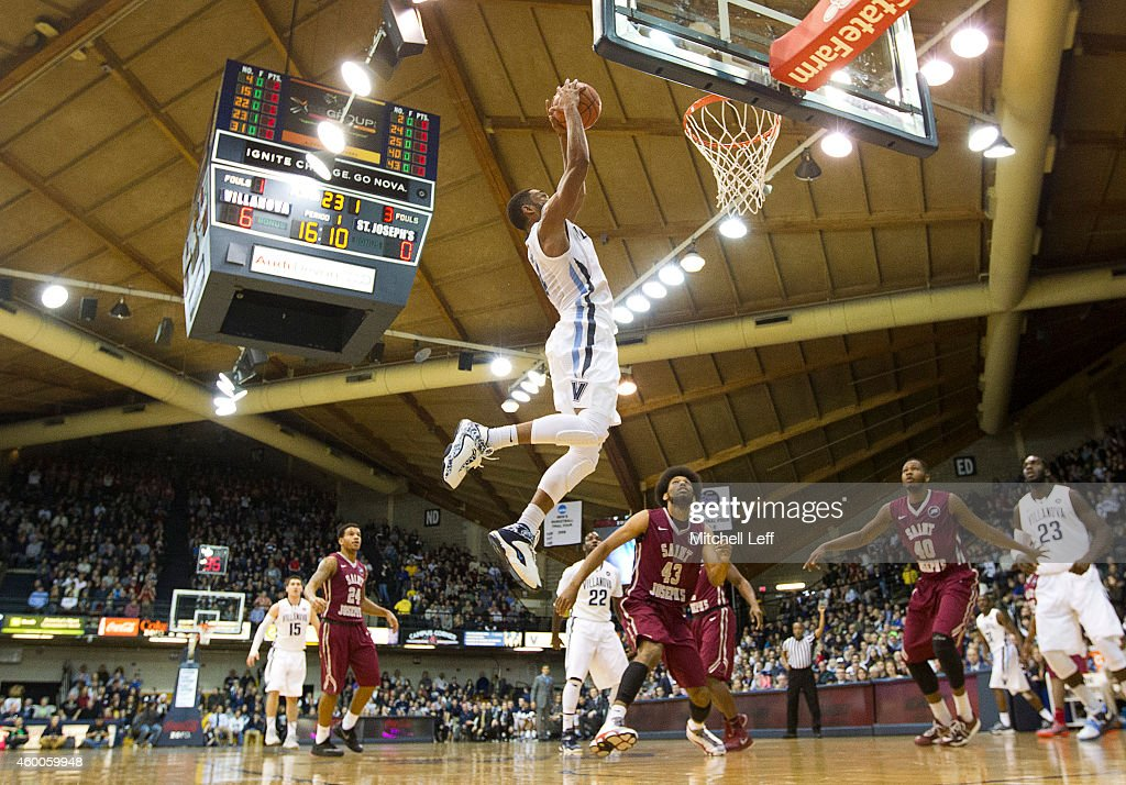 <a gi-track='captionPersonalityLinkClicked' href=/galleries/search?phrase=Darrun+Hilliard&family=editorial&specificpeople=8710176 ng-click='$event.stopPropagation()'>Darrun Hilliard</a> #4 of the Villanova Wildcats dunks the ball against the Saint Joseph's Hawks on December 6, 2014 at the Pavilion in Villanova, Pennsylvania. The Wildcats defeated the Hawks 74-46