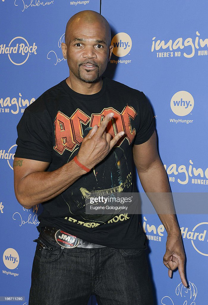 <a gi-track='captionPersonalityLinkClicked' href=/galleries/search?phrase=Darryl+McDaniels&family=editorial&specificpeople=175934 ng-click='$event.stopPropagation()'>Darryl McDaniels</a> attends the 5th annual Imagine There's No Hunger Campaign launch at the Hard Rock Cafe, Times Square on November 19, 2012 in New York City.