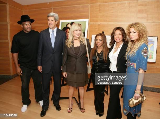 Darryl McDaniels Senator John Kerry Daphna Ziman Lil' Kim Freda Payne and Miri BenAri