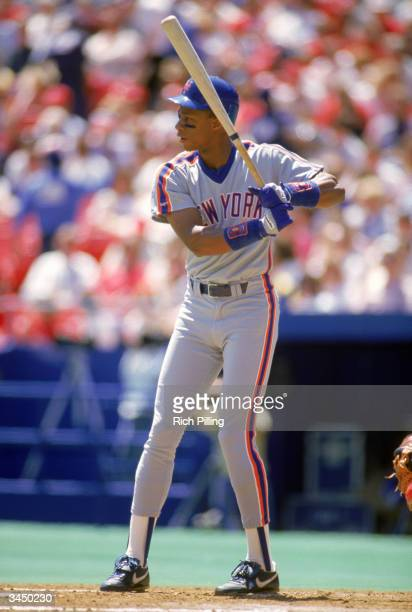 Darryl Strawberry of the New York Mets readies for a pitch during a game circa 198390