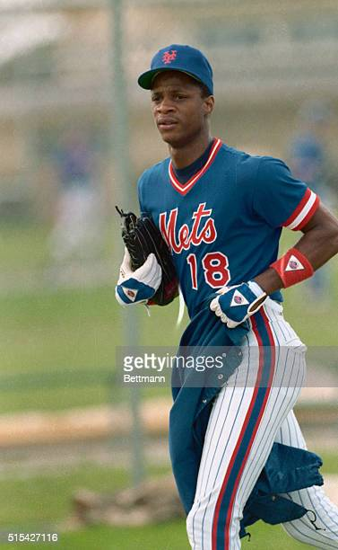 Darryl Strawberry outfielder for the New York Mets runs in his uniform