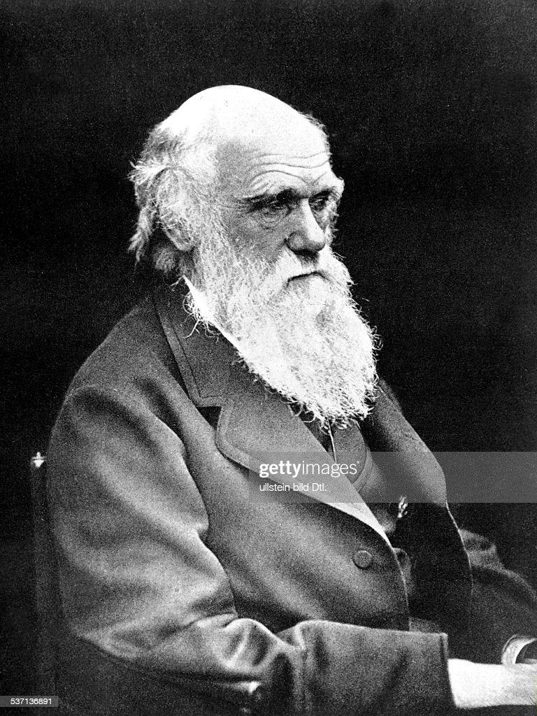Darwin Charles Naturwissenschaftler GB Begruender der Evolutionstheorie Halbportrait 1874