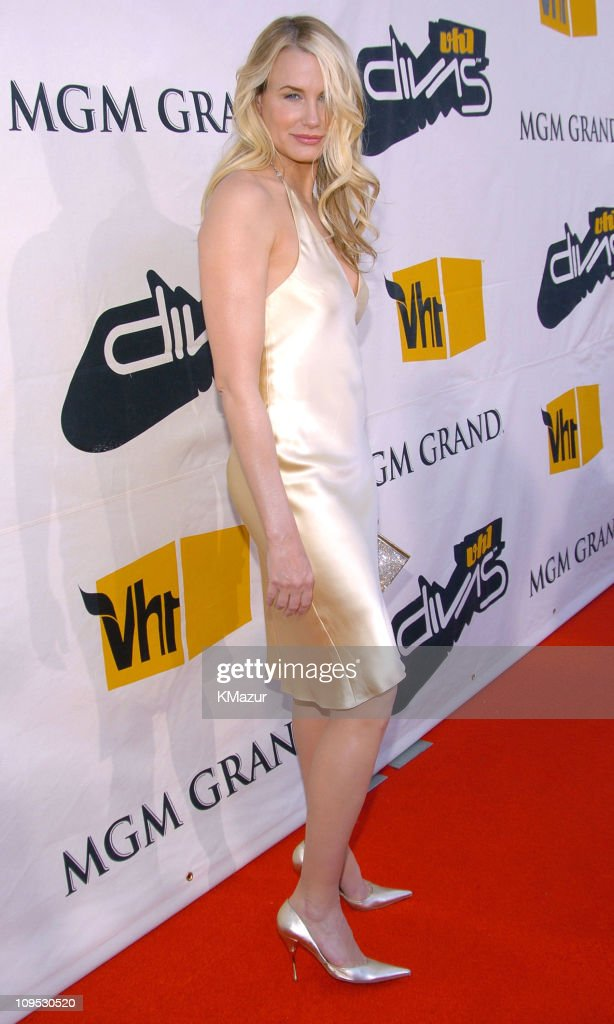 2004 VH1 Divas Benefitting The Save The Music Foundation - Red Carpet