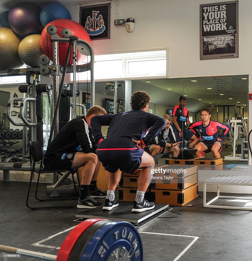 how to become a strength and conditioning coach uk