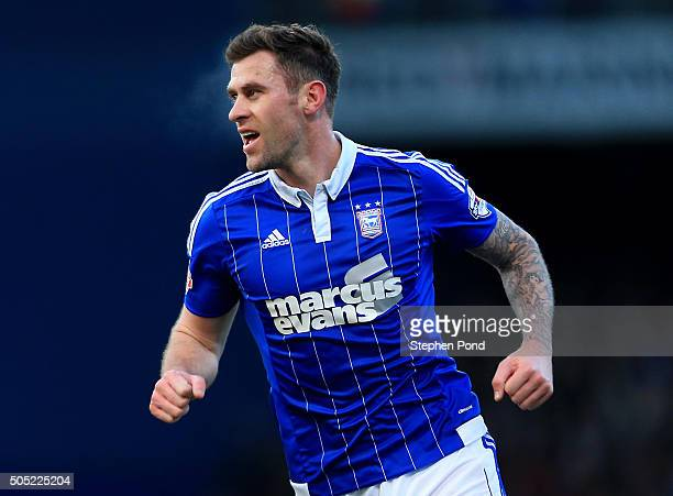 Daryl Murphy of Ipswich Town celebrates scoring an equalising goal during the Sky Bet Championship match between Ipswich Town and Preston North End...