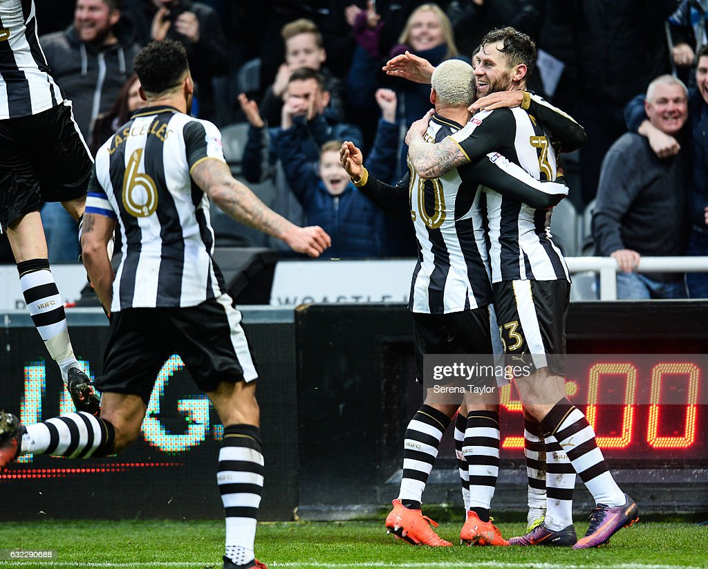 Daryl Murphy of Newcastle United (33) celebrates with teammates after scoring the opening goal during the Sky Bet Championship match between Newcastle United and Rotherham United at St.James'Park on January 21, 2017 in Newcastle upon Tyne, England.