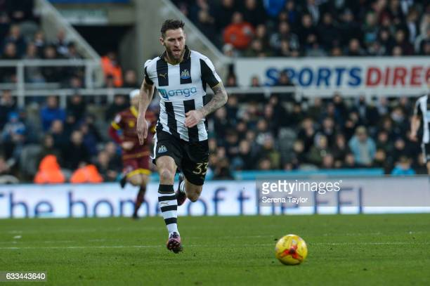 Daryl Murphy of Newcastle United runs with the ball during the Sky Bet Championship match between Newcastle United and Queens Park Rangers at...