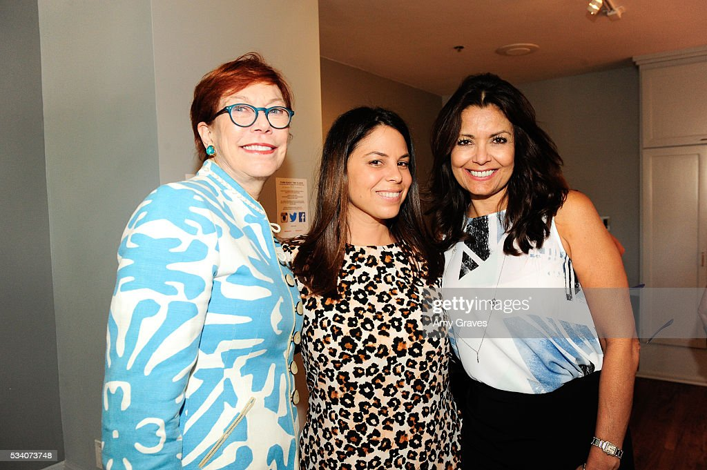 Daryl Twerdahl, Betsy Rosenfeld Vargas and Renee Paul attend the St. Vincent Meals on Wheels Beauty Event. Beauty Inside and Out on May 24, 2016 in Los Angeles California.