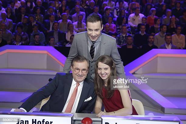 Das ist SPITZE Moderator Kai Pflaume und seine Jury bestehend aus 'Mr Tagesschau' Jan Hofer und Debora Rosenthal leitet die Show in der acht...