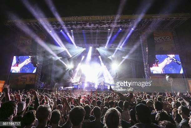 Das Open Air Festival 'Rocco del Schlacko' auf dem 'Sauwasen' im Püttlinger Ortsteil Herchenbach mit Auftritten von Guano Apes Jennifer Rostock Biffy...