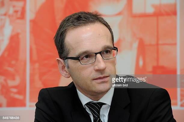 Das Saarländische Wirtschaftsministerium will den Fachkräftemangel mit einem DemografieNetzwerk Saarland bekämpfen Das Konzept wird bei einer...