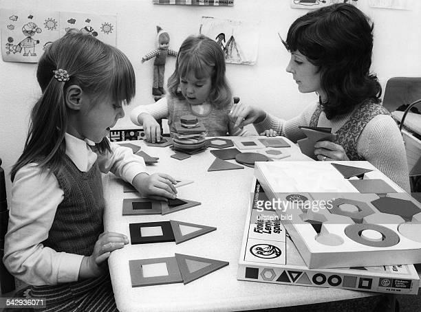 Das Spiel FaFoMe soll bei Kindern das logische und mathematische Denken anregenHersteller FinkenVerlag1971