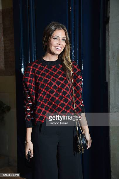 Dasha Zhukova departs the Sonia Rykiel show during Paris Fashion Week Womenswear SS 2015 on September 29 2014 in Paris France