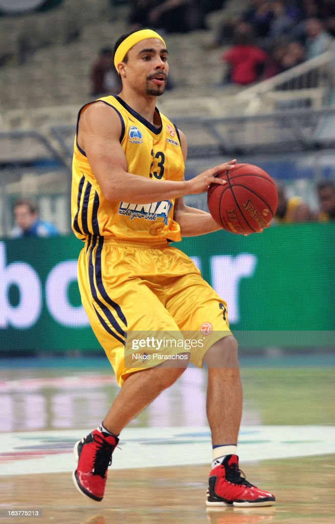<a gi-track='captionPersonalityLinkClicked' href=/galleries/search?phrase=Dashaun+Wood&family=editorial&specificpeople=4194410 ng-click='$event.stopPropagation()'>Dashaun Wood</a>, #23 of Alba Berlin in action during the 2012-2013 Turkish Airlines Euroleague Top 16 Date 11 between Panathinaikos Athens v Alba Berlin at OAKA on March 15, 2013 in Athens, Greece.