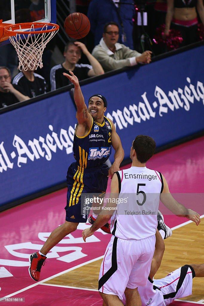 Dashaun Wood of Alba Berlin scores against Chris Ensminger of Telekom Baskets Bonn during the Beko BBL Basketball Bundesliga match between Telekom...