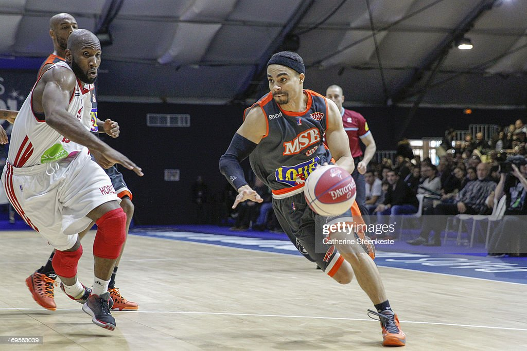 DaShaun Wood of Le Mans drives to the basket against Louis Campbell of Strasbourg during the game between Strasbourg and Le Mans at Disney Events...