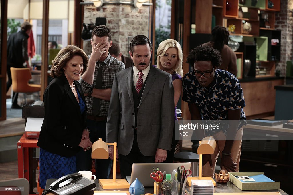 WORLD -- 'Date Expectations' Episode 103 -- Pictured: (l-r) <a gi-track='captionPersonalityLinkClicked' href=/galleries/search?phrase=Linda+Lavin&family=editorial&specificpeople=645189 ng-click='$event.stopPropagation()'>Linda Lavin</a> as Lorna, <a gi-track='captionPersonalityLinkClicked' href=/galleries/search?phrase=Sean+Hayes&family=editorial&specificpeople=204240 ng-click='$event.stopPropagation()'>Sean Hayes</a> as Sean, <a gi-track='captionPersonalityLinkClicked' href=/galleries/search?phrase=Thomas+Lennon&family=editorial&specificpeople=559662 ng-click='$event.stopPropagation()'>Thomas Lennon</a> as Max, <a gi-track='captionPersonalityLinkClicked' href=/galleries/search?phrase=Megan+Hilty&family=editorial&specificpeople=602492 ng-click='$event.stopPropagation()'>Megan Hilty</a> as Liz, <a gi-track='captionPersonalityLinkClicked' href=/galleries/search?phrase=Echo+Kellum&family=editorial&specificpeople=9328371 ng-click='$event.stopPropagation()'>Echo Kellum</a> as Hunter --