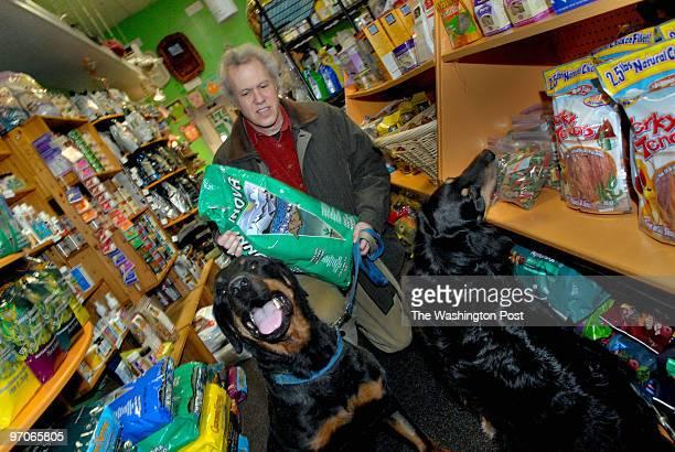 Mar 9 2007 Slug homdog assignment no 188928 Photographer Gerald Martineau Pet Essentials Pet shop natural/organic oriented pet shop We photograph...