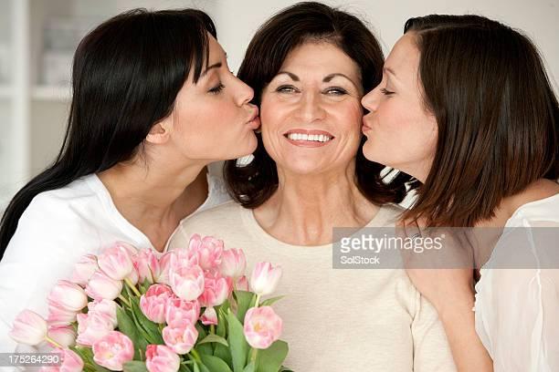 Tochter Küsse auf die Mother's Day