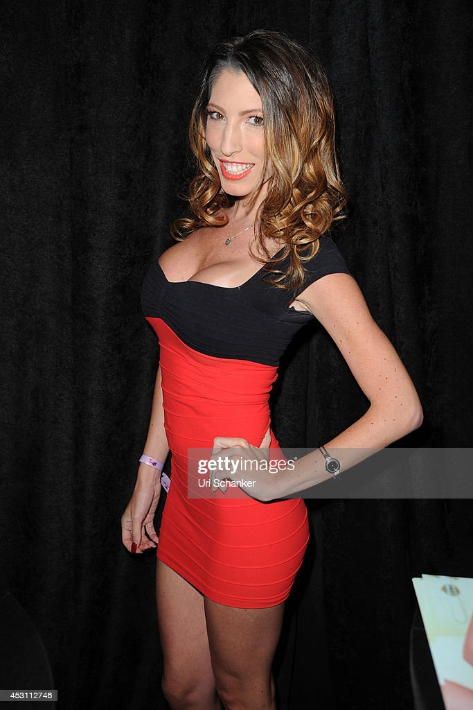 Camming Con In South Beach Getty Images